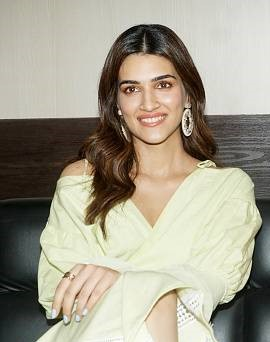 Kriti Sanon says she likes to say low-key as she turns 29th
