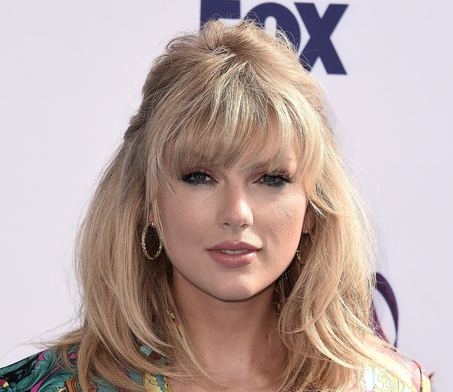 American singer Taylor Swift helped university student financially
