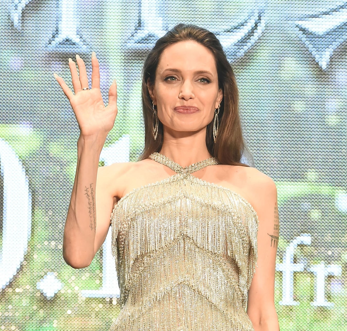 Angelina Jolie says she relates to maleficent on the mistress of evil premier