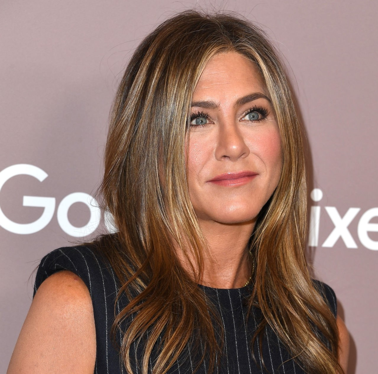 Jennifer Anniston hits 1M fan following on her newly created Insta account