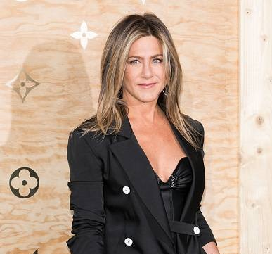 Jennifer Aniston opens up about dating