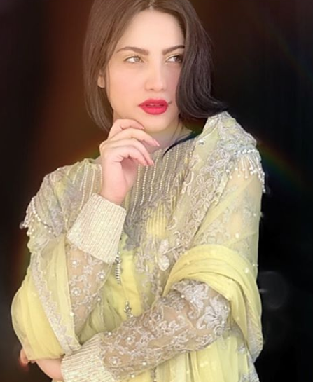 Neelam Muneer justifies her Item number song
