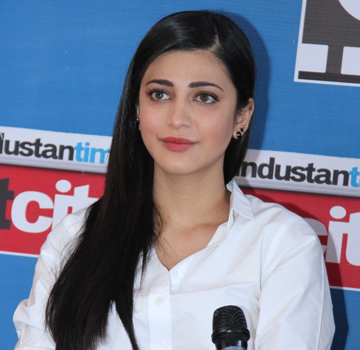 Indian film actress Shruti Hassan talks about her alcohol addiction and her breakup
