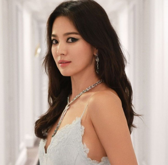 Song Hye Kyo cancels public appearance out of respect for Sulli