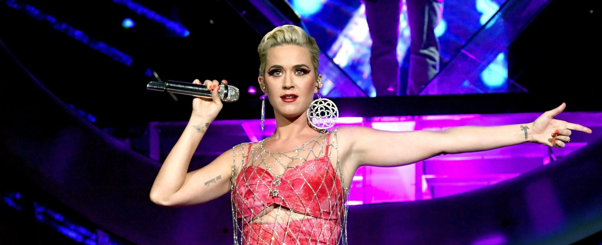 Katy Perry denied showing her passport to security officials at Mumbai airport