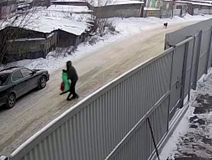 9 years old girl saved by a young boy from a Russian paedophile