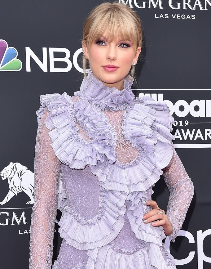 "American music awards: Taylor Swift will be crowned ""Artist of the Decade"" this year"
