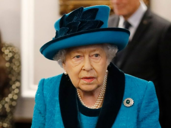 Royal expert refutes the rumors of Queen Elizabeth's death