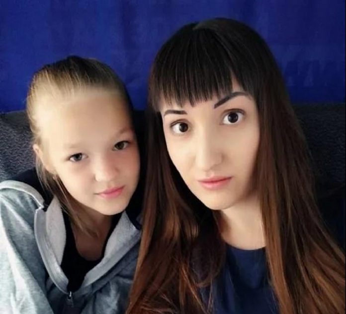 Mother with cancer kills her daughter and jumped from an eight-floor apartment